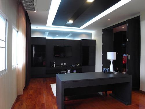 House K.Jang 3